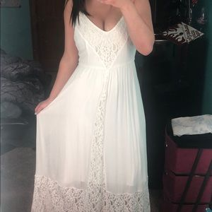 White Lace Abercrombie & Fitch Maxi Dress